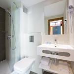 Astarea standard bathroom 2