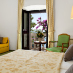 Kastelet_Standard_Double_Room_Sea_View_-_Sofa_LATERAL