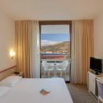 superior-twin-room-balcony-seaside_4