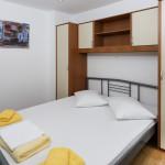 App1 bedroom